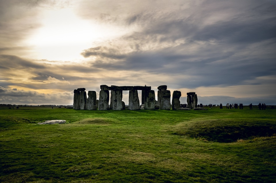 http://humanstories.photography/wp-content/uploads/2014/12/Stonehenge-001-copy-960x637_c.jpg