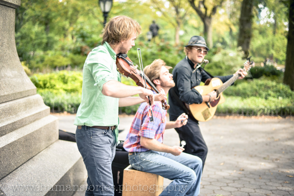 http://humanstories.photography/wp-content/uploads/2015/07/band-in-park-001-e1436567997111-960x640_c.jpg